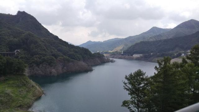 不動大橋から八ツ場あがつま湖の眺め
