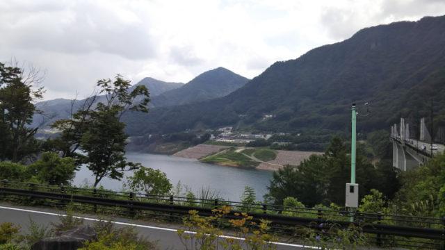 道の駅八ッ場ふるさと館からダム湖の眺め