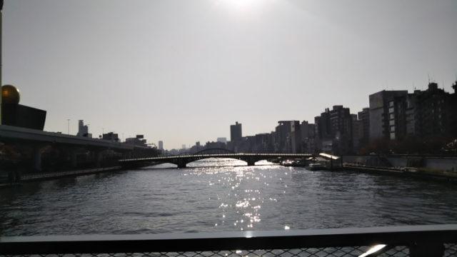 すみだリバーウォークから眺める隅田川
